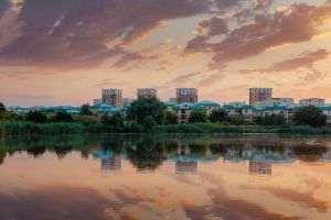 425 de locuinţe au fost vândute în Cosmopolis